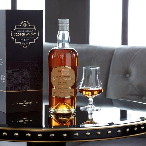 Highland Single Malt Scotch Whisky 19 Years Old - The Raffles Writer's Series - 700ml