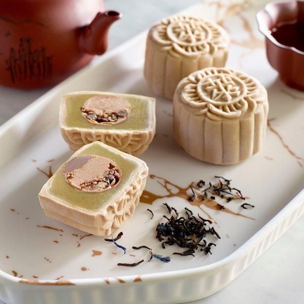 Earl Grey Tea and Pearl Snow-Skin Mooncake