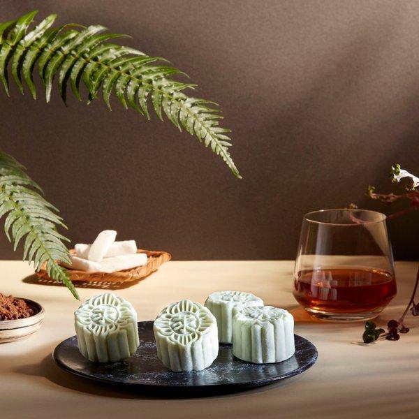Yunnan Dark Brown Sugar and Rum Truffle Snow-Skin Mooncake